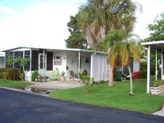 1 Bedroom Mobile Home - SW Florida on Lemon Bay - Englewood vacation rentals