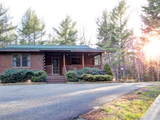 Picture Perfect Bar Harbor Log Cabin - Bar Harbor vacation rentals
