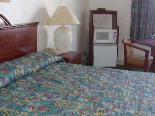 Guest Inn -Single king size Bed room - Sweetwater vacation rentals