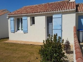 Charming 2 bedroom House in Chateau-d'Olonne with Television - Chateau-d'Olonne vacation rentals