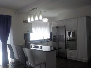 Cozy 2 bedroom Apartment in Oradea with Central Heating - Oradea vacation rentals