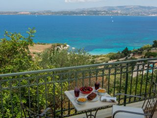 *3* Luxury 1BDR suite with pool and sea views - Lassi vacation rentals