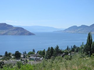 Nice 1 bedroom House in Peachland with Internet Access - Peachland vacation rentals