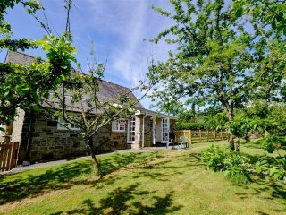 Lovely Cottage with Internet Access and Washing Machine - Penybont vacation rentals