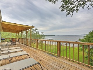 New Listing! Waterfront 3BR Lillian House w/Wifi, Large Private Deck & Expansive Waterfront Views - Incredible Location w/Access to Pool & Hot Tub! - Lillian vacation rentals