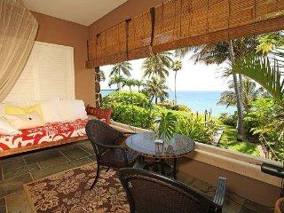 Shimmering Oceanside Villa -oceanfront,great views - Honolulu vacation rentals