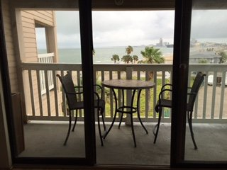 Cozy Condo with A/C and Satellite Or Cable TV - Corpus Christi vacation rentals