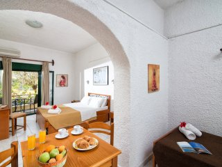 Comfortable Central Apartment up to 4 - Limenas Chersonisou vacation rentals
