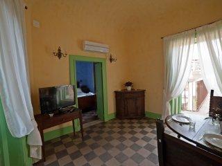CASA D'ARIA - APPARTAMENTO LUNA - Catania vacation rentals