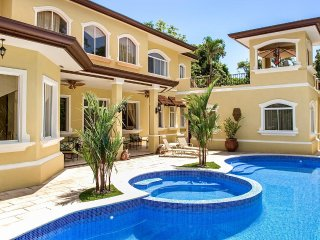 Bright 7 bedroom Los Suenos Villa with Internet Access - Los Suenos vacation rentals