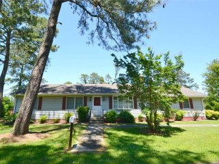 Convenient House with Internet Access and A/C - Chincoteague Island vacation rentals