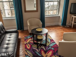 2 Bedroom Apartment on Edinburgh's Royal Mile (7) - Edinburgh vacation rentals