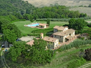 Campagna Hous - Residence in Tuscany  farm holiday - Pieve A Presciano vacation rentals