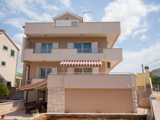 Bright 7 bedroom House in Brodarica - Brodarica vacation rentals