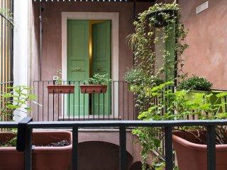 CASA D'ARIA - APPARTAMENTO AMBRA - Catania vacation rentals
