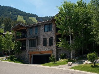 Luxury Townhome on the slopes of Snow King, Overlooking all of Jackson Hole - Jackson vacation rentals