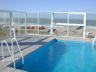 1 bedroom Resort with Housekeeping Included in Ostende - Ostende vacation rentals