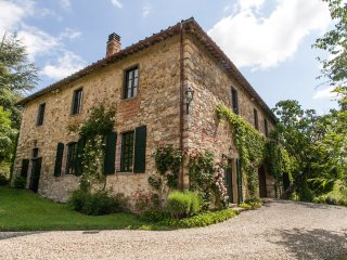 Charming 6 bedroom Gaiole in Chianti House with Internet Access - Gaiole in Chianti vacation rentals