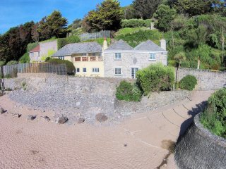Perfect 6 bedroom Putsborough House with Internet Access - Putsborough vacation rentals