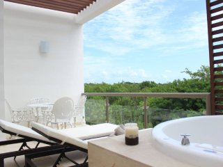 QD5 Golf View, Beach, Pools, Resort - Akumal vacation rentals