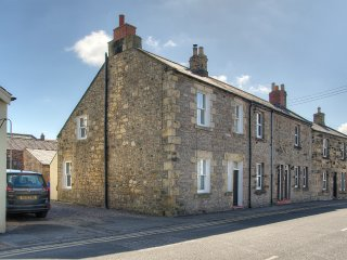 St Cuthbert's Cottage - sleeps 4 - Seahouses vacation rentals