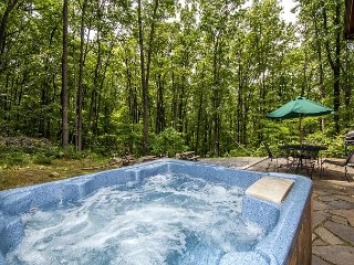 Mountain home in wooded setting with fire pit & convenient location! - McHenry vacation rentals