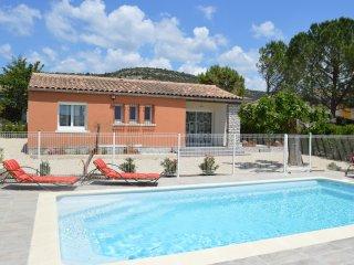 CAVAOU ***  maison independante avec piscine - Merindol vacation rentals