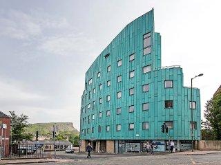 Abbey Lane PENTHOUSE apartment - Edinburgh vacation rentals