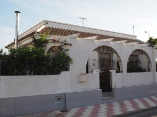 Detatched 3 bed villa with private swimming pool - Los Alcazares vacation rentals