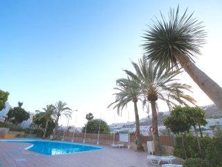Piscina, terraza y vistas al mar - Las Palmas de Gran Canaria vacation rentals