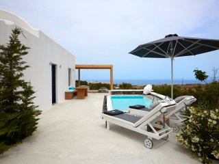 Amor Hideaway one bedroom villa with pool - Fira vacation rentals
