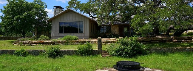 Bright 3 bedroom Wimberley Cabin with Washing Machine - Wimberley vacation rentals