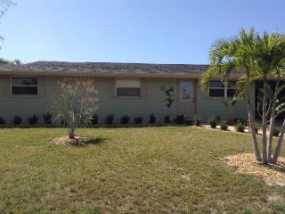 Lovely House with Internet Access and A/C - Port Charlotte vacation rentals