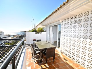 II Penthouse with sea views - Puerto Banus - Nueva Andalucia vacation rentals