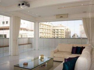 Magnifique Penthouse 2BR Copacabana - Rio de Janeiro vacation rentals