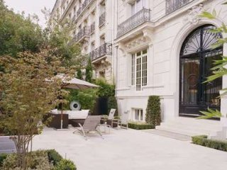 Supremely Chic 3 Bedroom Apartment Facing Eiffel Tower in Paris - Paris vacation rentals