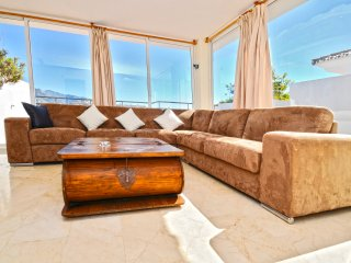 I Penthouse in Puerto banus - walk to beach+shops - Nueva Andalucia vacation rentals