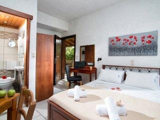 Charming Studio near the beach! - Hersonissos vacation rentals