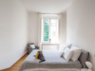 Via Chiodo Luxury apartment - La Spezia vacation rentals