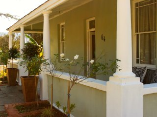 Comfortable Guest house with Television and Satellite Or Cable TV - Dundee vacation rentals