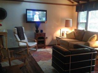 NEW!!  CLICK FOR GREAT SUMMER AND FALL RATES! - Pocono Lake vacation rentals