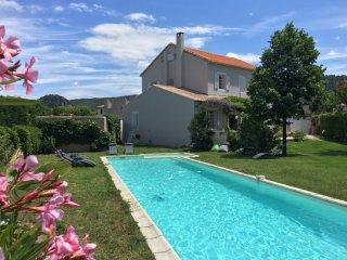 Maison de Famille dans village provençal pour 10-12 personnes.Tarif tout compris - Sablet vacation rentals