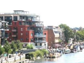Perfect Condo with Dishwasher and Central Heating - Kingston upon Thames vacation rentals