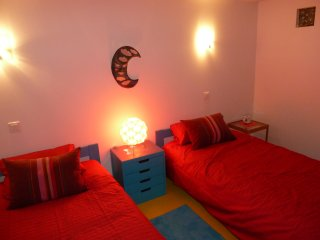 Room with Twin Beds Well Located - Bois Colombes vacation rentals