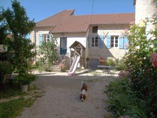 'Les Trois Croix' Maison 3, Santenay, Côte d'Or - Santenay vacation rentals