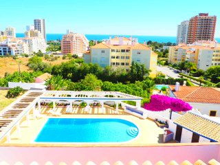 Villa 3 Castelos, walking distance to Beach - Praia da Rocha vacation rentals