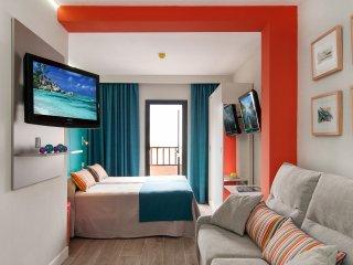 Great studio with balcony near the beach - Las Palmas de Gran Canaria vacation rentals