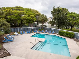 Ocean View Condo Updated & Modern, sleeps 7 Wi-Fi - Surfside Beach vacation rentals