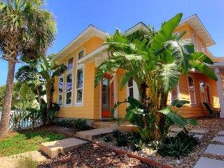 5 bedroom 4.5 bath home in Fabulous gated Village Walk! - Port Aransas vacation rentals