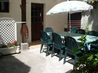 2 bedroom House with Washing Machine in Le Chateau d'Oleron - Le Chateau d'Oleron vacation rentals